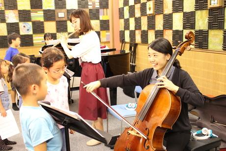チェロ奏者募集!子どもたちの前でピアノトリオ演奏しませんか
